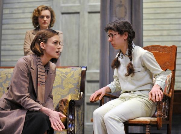 Keira Knightley as Karen Wright, Elisabeth Moss as Martha Dobie  and Rosalie Wells as Amy Dawson