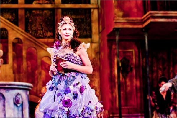 Photo Flash: DANGEROUS BEAUTY Opens at the Pasadena Playhouse