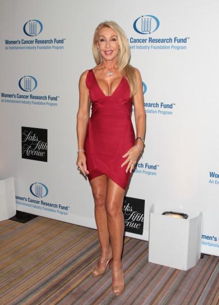 Linda Thompson in attendance; An Unforgettable Evening Benefitting EIF's Women's Canc Photo