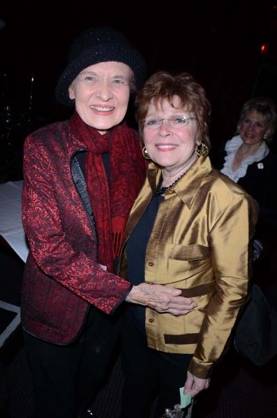 Julie Wilson, Anita Gilette