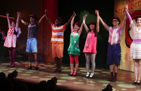 Sanjaya Malakar, Remy Zaken, and the cast of FRECKLEFACE STRAWBERRY at Sanjaya Malakar & Remy Zaken Join FRECKLEFACE STRAWBERRY!
