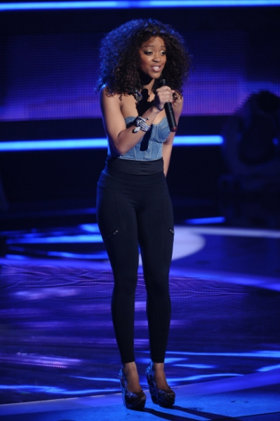 AMERICAN IDOL: Top 24:  Ashthon Jones performs in front of the judges on AMERICAN IDO Photo