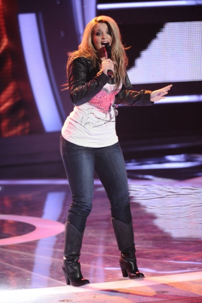 AMERICAN IDOL: Top 24: Lauren Alaina performs in front of the judges on AMERICAN IDOL Photo