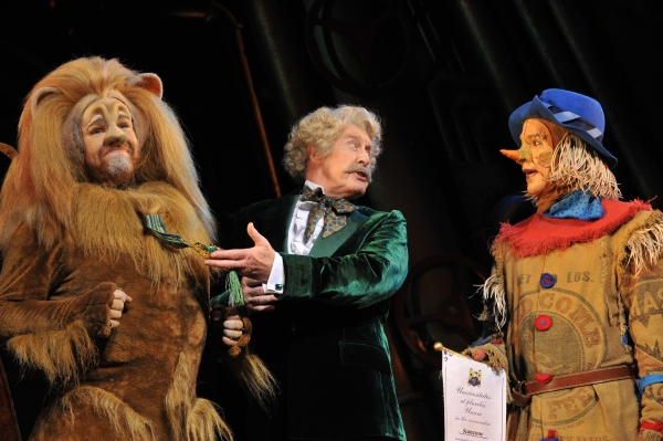 Lion (David Ganly), The Wizard (Michael Crawford) and Scarecrow (Paul Keating)   Photo