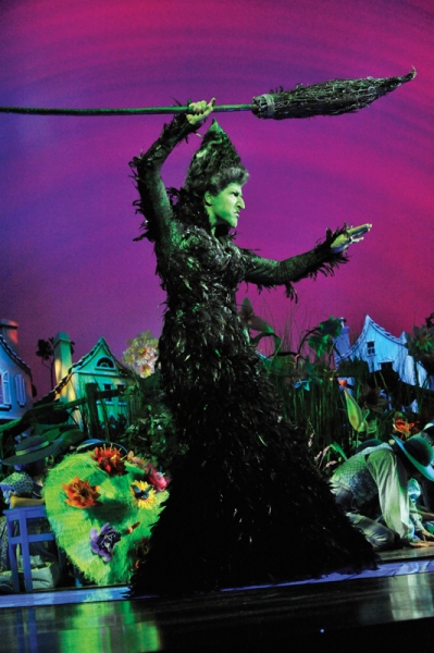 Hannah Waddingham as the Witch at Andrew Lloyd Webber's THE WIZARD OF OZ Opens!