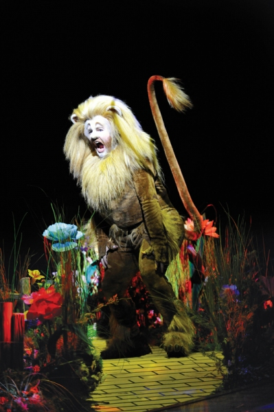 David Ganly as Zeke/Cowardly Lion