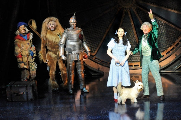 Dorothy (Danielle Hope), Tin Man (Edward Baker-Duly), Lion (David Ganley) meet the Wizard (Michael Crawford).
