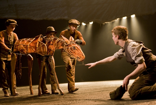 Photo Flash: WAR HORSE Welcomes New Cast
