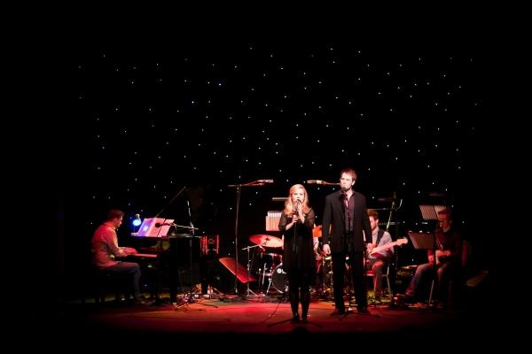 Photo Flash: Hadley Fraser, Rosalie Craig, et al. Sing Bobby Cronin