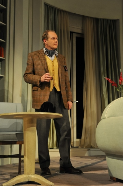 Photo Flash: BLITHE SPIRIT Opens in the West End