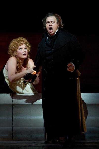 "Karita Mattila as Lisa and Vladimir Galouzine as Hermann in Tchaikovsky's ""The Queen  Photo"