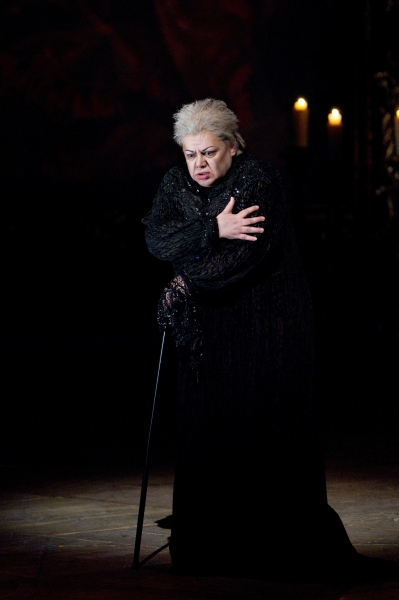 "Dolora Zajick as the Countess in Tchaikovsky's ""The Queen of Spades."" Photo: Marty Sohl/Metropolitan Opera  Taken at the rehearsal on March 4, 2011 at the Metropolitan Opera in New York City."