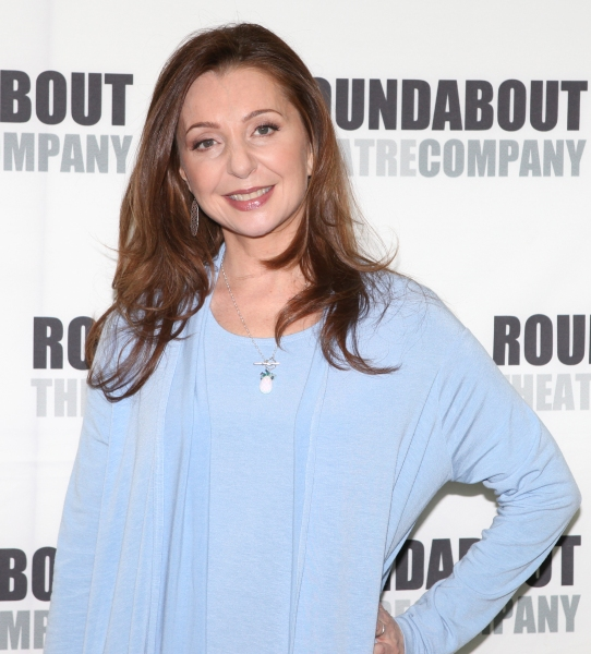 Confirmed-Donna-Murphy-to-Star-in-INTO-THE-WOODS-in-Central-Park-20010101