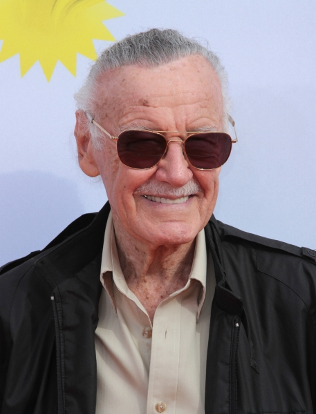 Stan Lee at The 2011 Nickelodeon Kids Choice Awards Arrivals