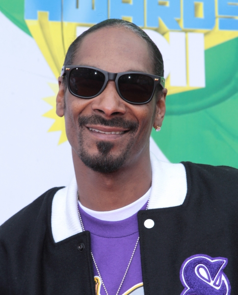 Snoop Dogg at The 2011 Nickelodeon Kids Choice Awards Arrivals