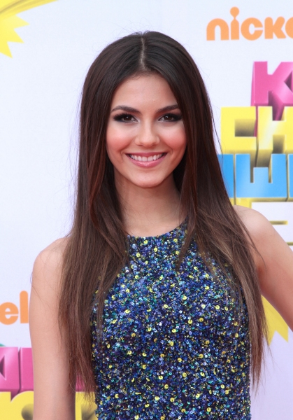 Victoria Justice at The 2011 Nickelodeon Kids Choice Awards Arrivals