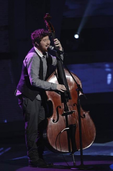 Photo Flash: AMERICAN IDOL's Top 9 Perform!