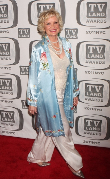 Photo Flash: Lynch, Travolta & More at '11 TV Land Awards
