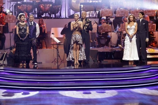 Photo Flash: Sugar Ray Leonard Leaves DANCING WITH THE STARS