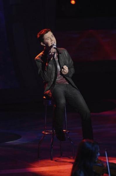 Photo Flash: Top 8 Sing on AMERICAN IDOL
