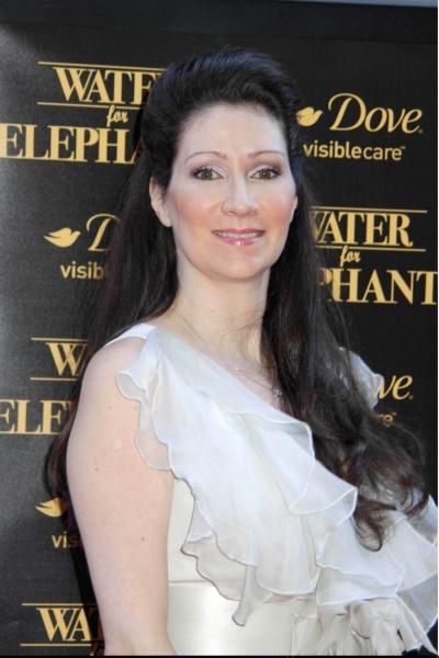 Author Sara Gruen