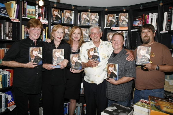 Mary McDonough with TV Parents and Brothers - Jon Walmsley, Michael Learned, Mary McDonough, Ralph Waite, Eric Scott and David Harper