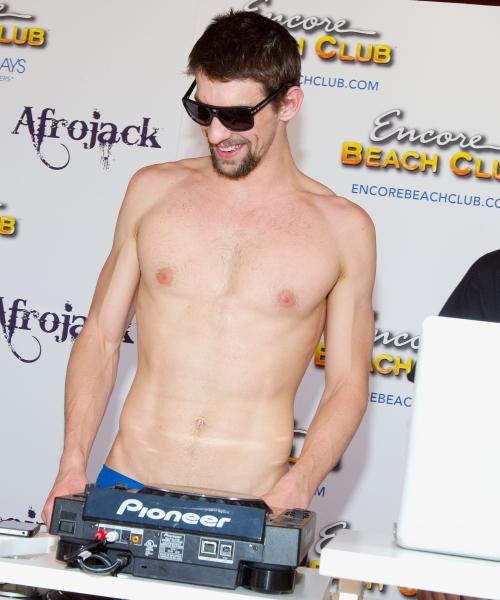 Photo Coverage: Michael Phelps Kicks Off Season at Encore Beach Club