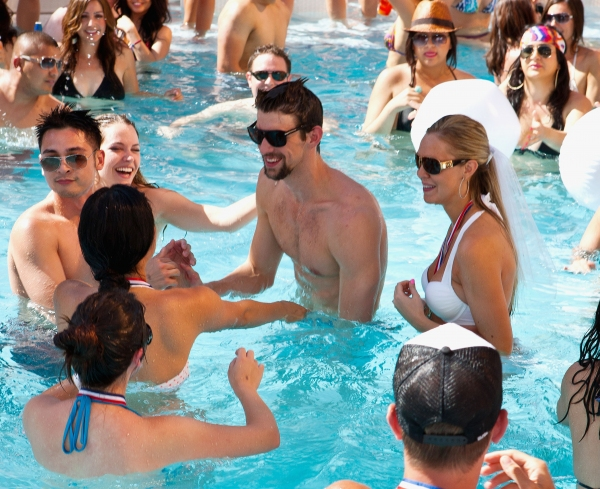 Photo Coverage: Michael Phelps Kicks Off Season at Encore Beach Club