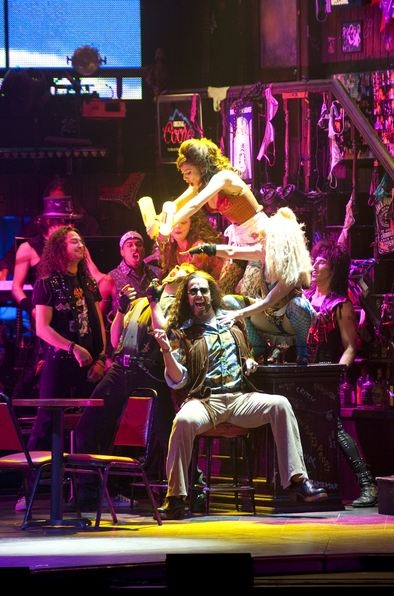 Photo Flash: ROCK OF AGES Visits National Theatre