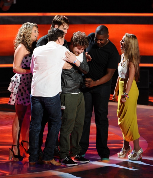 Photo Flash: Casey Abrams Leaves AMERICAN IDOL