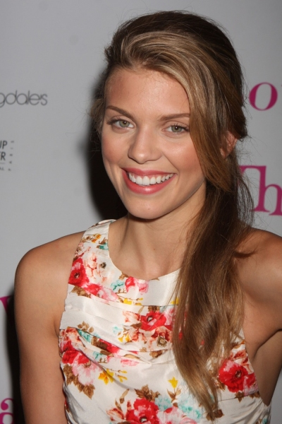 AnnaLynne McCord at LOVE, LOSS Welcomes Kelly, Sullivan et al.