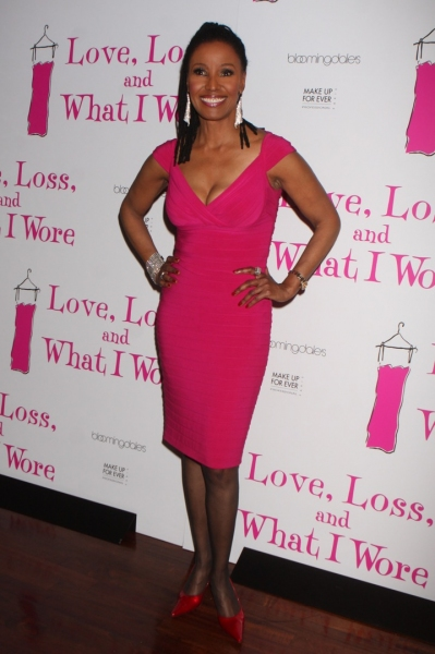Photo Flash: LOVE, LOSS Welcomes Kelly, Sullivan et al.