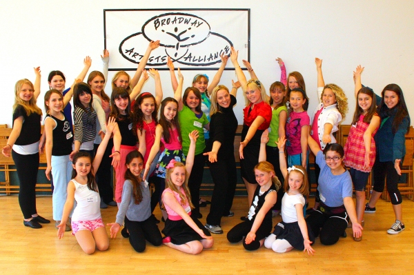 Kristi Coombs and Madison Kerth with the students of Broadway Artists Alliance