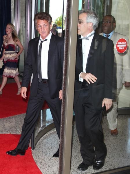 Sean Penn attending the White House Correspondents' Association (WHCA) dinner at the  Photo