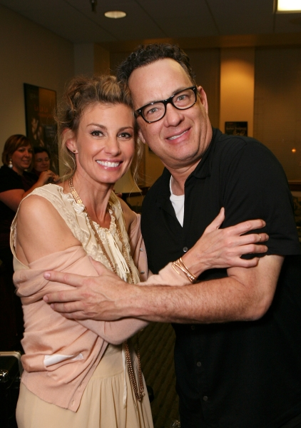 Faith Hill (L) and Tom Hanks