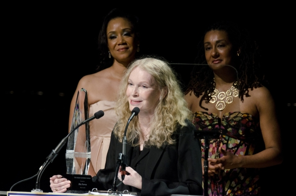 Photo coverage mia farrow receives marion anderson award for Why is bebe neuwirth leaving madam secretary