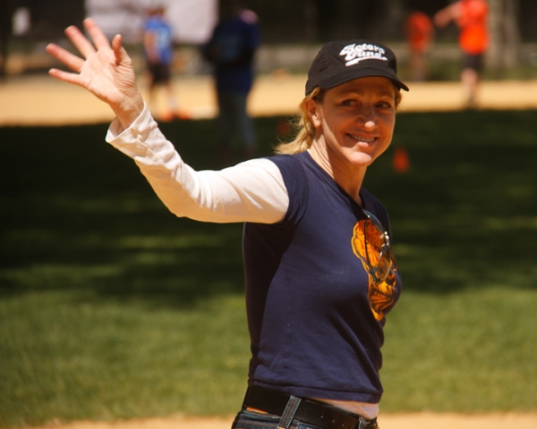 Photo Coverage: Tveit, CATCH ME, Falco & More Kick Off Broadway Show Softball League