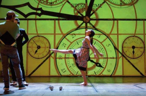 Photo Flash: Lea Michele Visits Set of WICKED for GLEE!