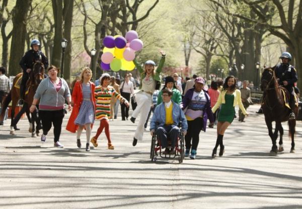 Ashley Fink; Dianna Agron; Lea Michele; Heather Morrison; Kevin McHale; Jenna Ushkowitz; Amber Riley, Naya Rivera