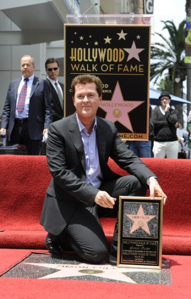 Simon Fuller at AMERICAN IDOL Finalists Visit Walk of Fame