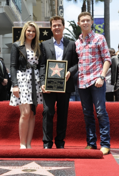 Lauren Alaina, Simon Fuller and finalist Scotty McCreery 