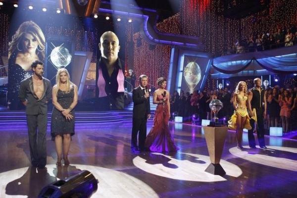Maksim Chmerkovskiy, Kirstie Alley, Kym Johnson, Hines Ward at Hines Ward Wins DANCING WITH THE STARS!