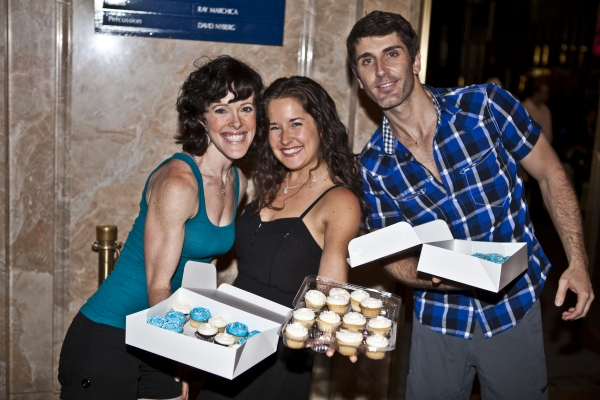 Leah Zepel, Rachel Frankenthal and Ryan Sander passing out cupcakes after the show! Photo