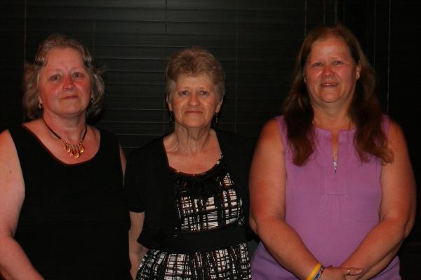 Betty Wiggin Porter (center) and Dorothy Wiggin Semprini (right) with their sister Rachel Wiggin Gould