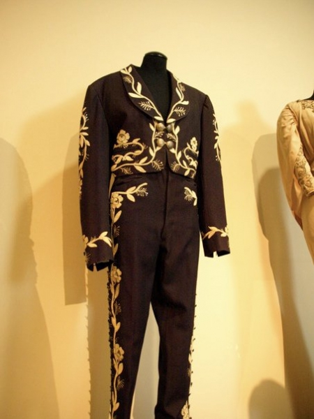 Photo Flash: A Glimpse at Paley Center's Debbie Reynolds Exhibit!