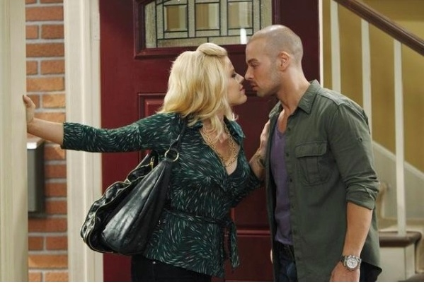 Megan Hilty and Joey Lawrence
