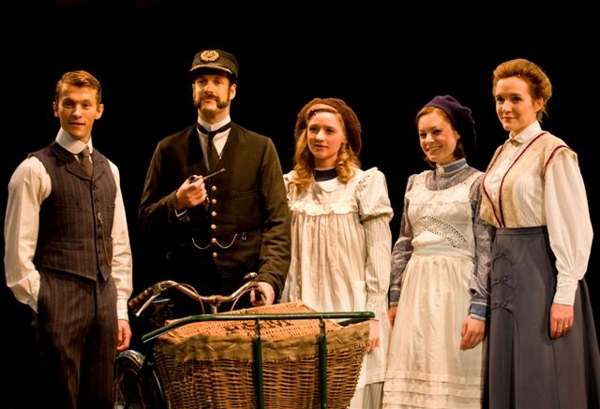 Tim Lewis (Peter), Marcus Brigstoke (Mr Perks), Grace Row (Phyliss), Amy Noble (Roberta), Pandora Clifford (Mother)