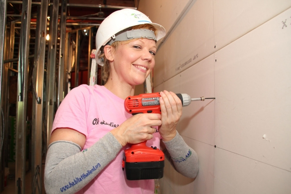 Photos: LOVE, LOSS, AND WHAT I WORE Cast Helps Out Habitat for Humanity