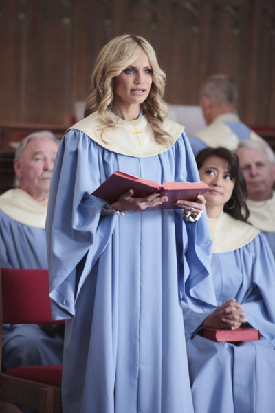 Photo Flash: First Look at Kristin Chenoweth in GOOD CHRISTIAN BELLES!