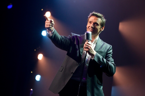 Track His Phone >> Photo Flash: Hugh Jackman Opens in Concert in Toronto!